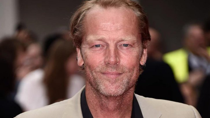 Dc's Titans Netflix Iain Glen Batman Seconda Stagione